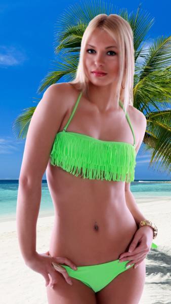 Neckholder-Bandeau-Bikini mit Hula Fransen Hellgrün